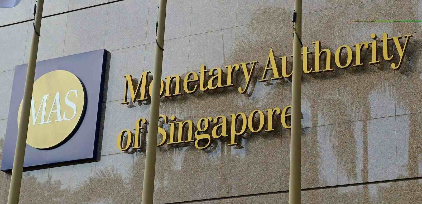 Singapore Central Bank to Help Crypto Startups Get Banking Services