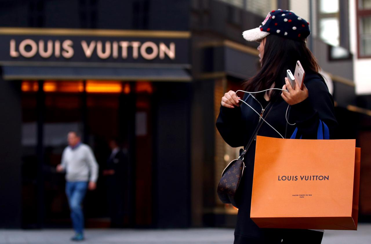 Owner of Louis Vuitton to Establish a Blockchain for Goods Tracking