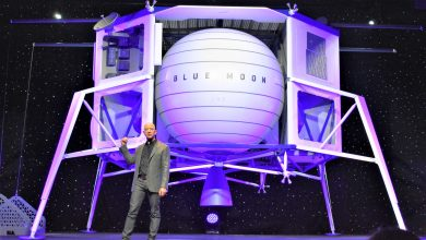 Photo of Amazon's Chairman Jeff Bezos Launches Blue Moon Lander